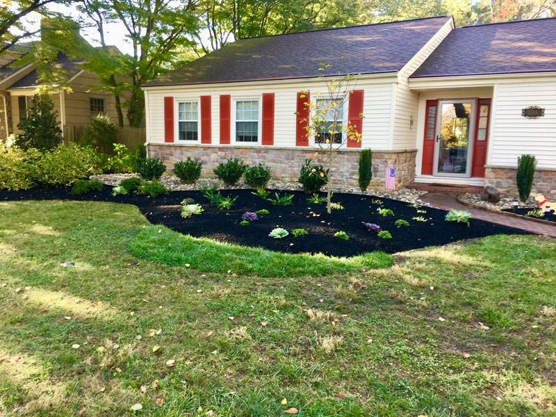 Front Window Garden | Landscaping - Yardley PA